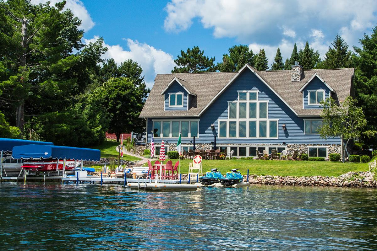 vacation-lake-home